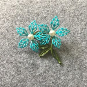 Vintage Enamel Flower Pin